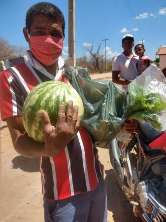 Produtos da Agricultura Familiar São Distribuídos Nas Periferias da Cidade de Oeiras!